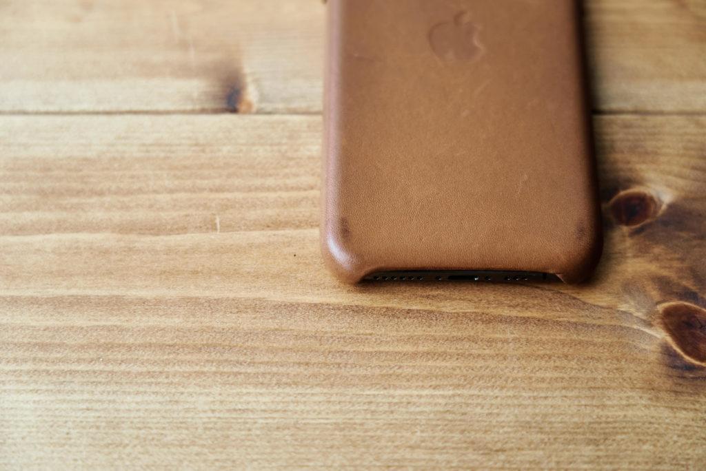 Apple純正レザーケースサドルブラウンの経年変化3