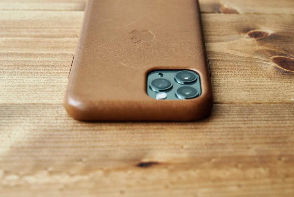 Apple純正レザーケースサドルブラウンの経年変化5