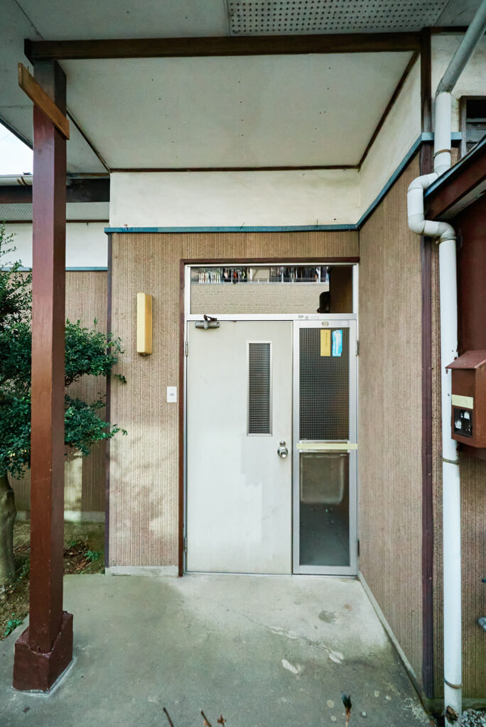 古い家の玄関