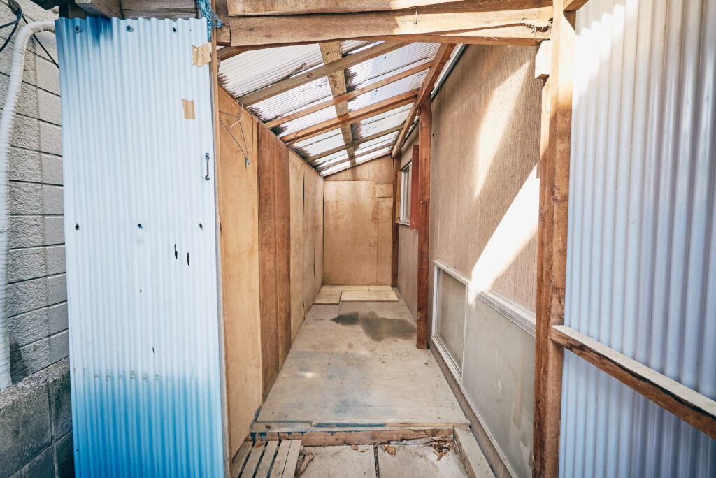 DIY小屋の内部