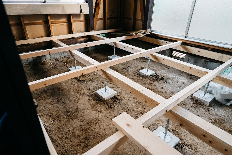 古民家床下の組木