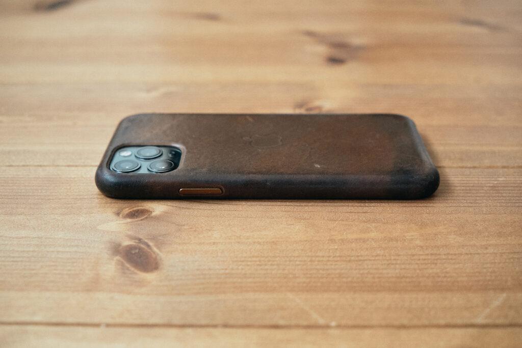 iPhone純正レザーケース経年変化3