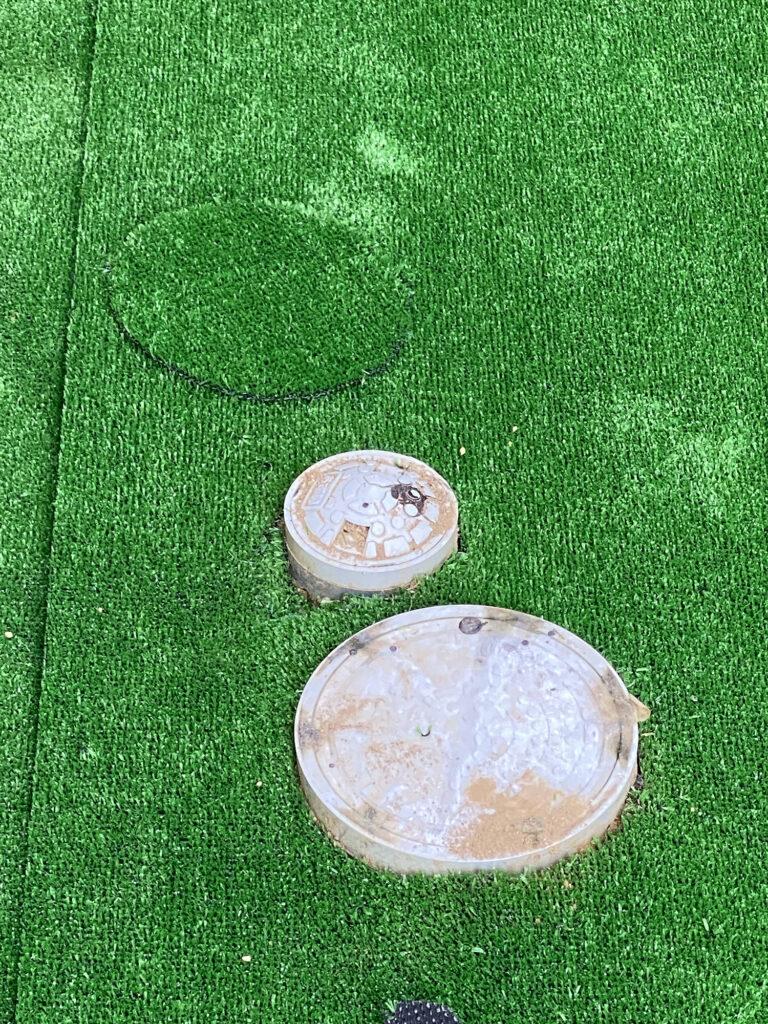 人工芝のカットは簡単。